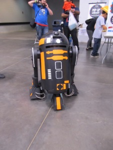 R2-D2 ... A young boy was inside this and drove it around!!