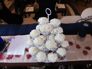 Amazing red velvet cupcakes. Yummy!