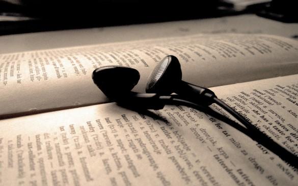 Music and Books - wallpoper